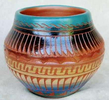 navajo_etched_pot.jpg